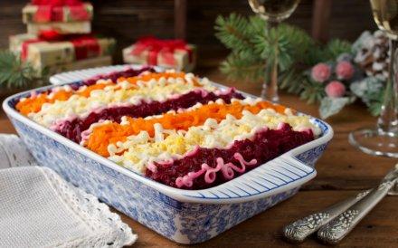 Kalėdų belaukiant - 42 mišrainių bei salotų receptai šventiniam stalui