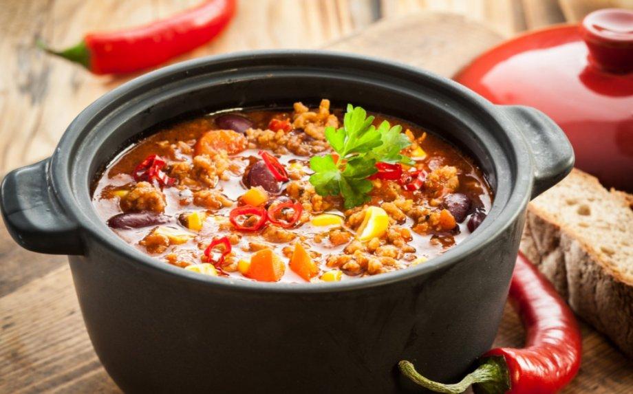 Jaukiai rudeniškai - 29 sočių sriubų ir troškinių receptai vakarams sušildyti