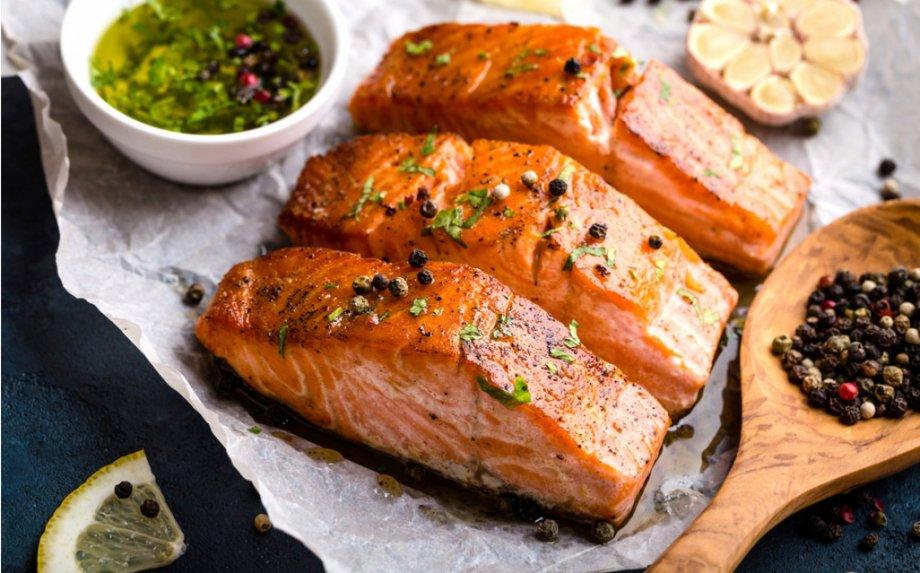 Ką pagaminti iš žuvies? Dalinamės 32 mūsų mėgstamiausiais žuvies patiekalais