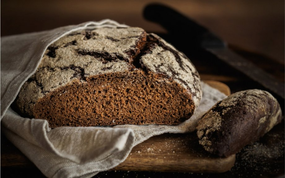 Kaip iškepti tikrą lietuvišką ruginę duoną? Pasakojame apie viską - nuo raugo iki kepimo