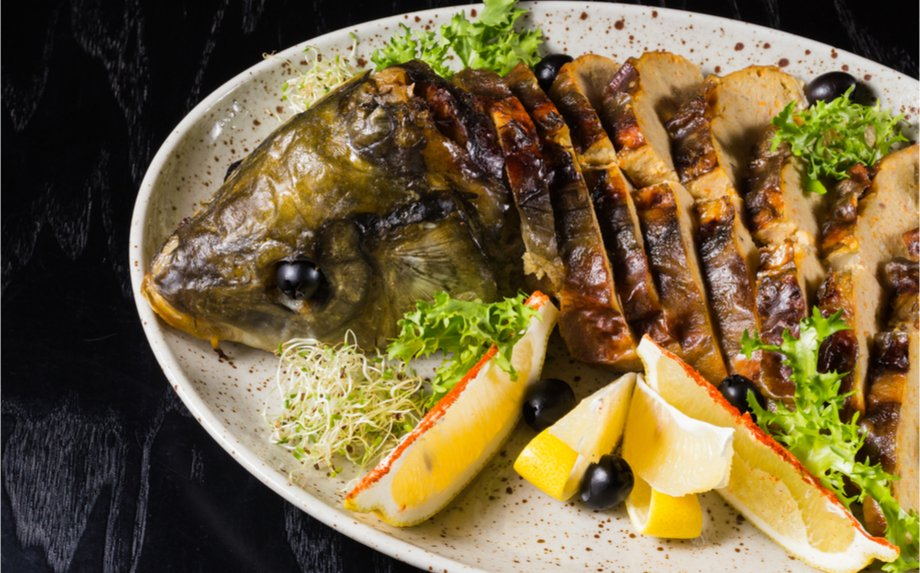 Farširuota įdaryta žuvis lydeka