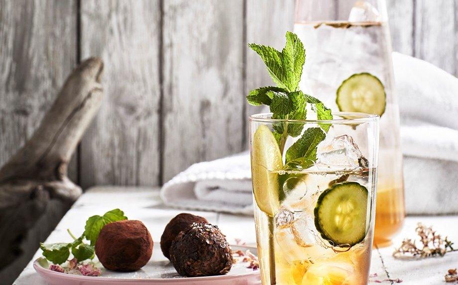 Vasaros desertai: ką pasigaminti iš arbatžolių?