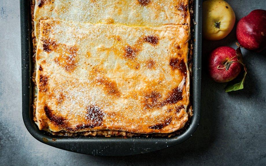 Kroatiškas obuolių pyragas su varške ir aguonomis