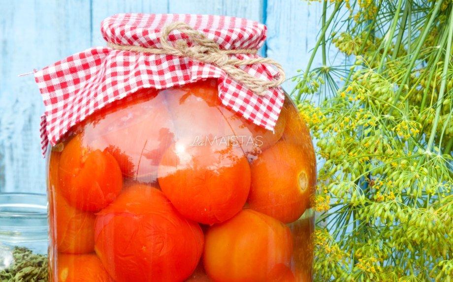 Be acto marinuoti pomidorai žiemai