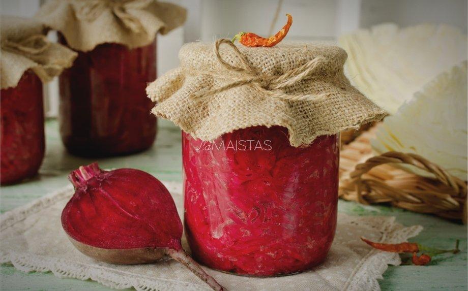 Burokėlių ir pomidorų mišrainė žiemai