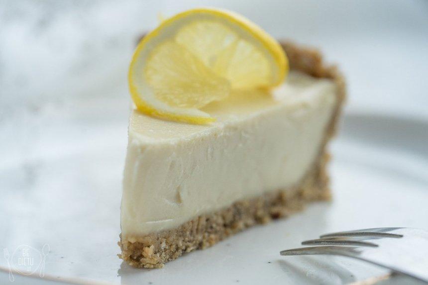 Veganiškas citrininis tortas - kremiškas ir tirpstantis burnoje