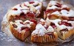 Rabarbarų pyragas su braškėmis