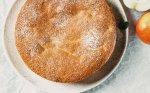 Biskvitinis močiutės obuolių pyragas