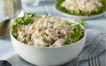 Vištienos salotos su kiaušiniais, agurkėliais ir ryžiais