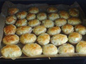 Įdarytos bulvės su kumpiu