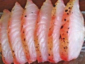 Žuvies kukuliai drebučiuose