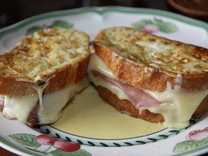 Kepti sumuštiniai - skrebučiai pusryčiams