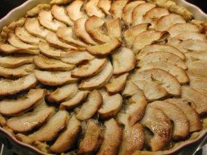 Šventinis varškės ir obuolių pyragas