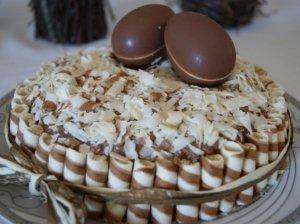 Velykinis nekeptas meduolių tortas per 20 minučių
