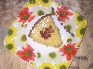 Manų pyragas su tarkuotomis morkomis