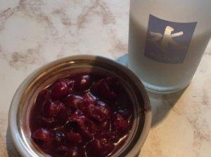 Vyšnių uogienė su šokoladu ir konjaku