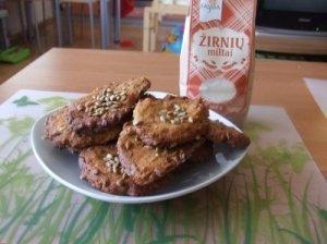 Žirnių miltų sausainiai