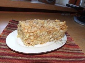 Obuolių ir sausainių tortas
