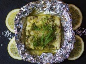 Lydekos filė garstyčių ir medaus marinate