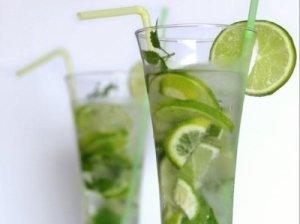 Gaivus mėtinis gėrimas