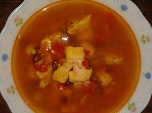 Aštri vištienos sriuba su pupelėmis ir imbieru