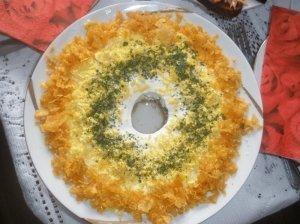 Tuno salotos su traškučiais