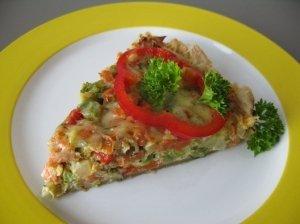 Pyragas su brokoliais ir lašiša