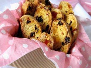 Biscotti - apelsininiai džiūvėsėliai su tropiniais vaisiais