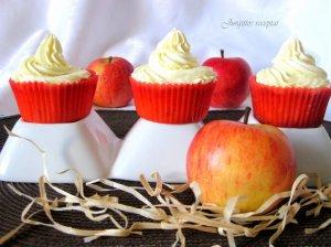 Keksiukai su obuoliais ir maskarponės kremu
