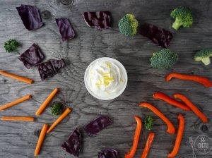 Jogurto, česnako ir citrinos dipas