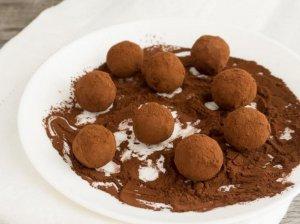Šokolado ir avokado triufeliai