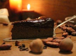 Šokoladinis saldžiųjų bulvių pyragas be miltų