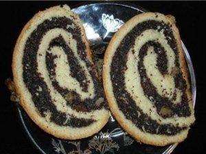Aguonų ir razinų pyragas