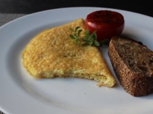 Traškus sūrio omletas