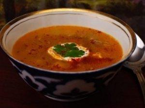 Pakepinto mung dalo sriuba su pomidorais