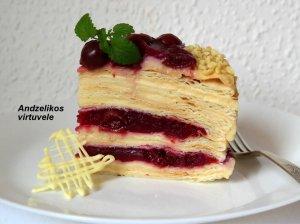 Sluoksniuotos tešlos tortas Adželikos (tinginių Napoleonas)