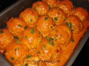 Labai skanūs maltos mėsos tefteliai pomidoriniame padaže