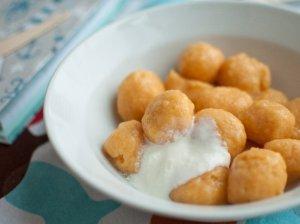 Nuostabūs varškėtukai su saldžiomis bulvėmis
