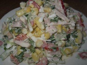 Sočios kumpio ir kiaušinių salotos