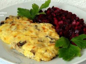 Orkaitėje kepti kepsniai su sūriu ir pievagrybiais