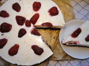 Nekeptas kokosinis varškės tortas - labai gaivus ir greitai pagaminamas
