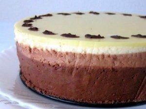 Puikusis trijų šokoladų tortas