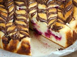 Nuostabus varškės pyragas su Nutella ir uogomis