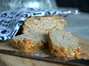 Greita avižinė duona - be miltų, be minkymo ir vos keli ingredientai