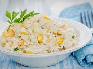 Gaivios vištienos salotos su ananasais