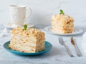 Super greitas sluoksniuotos tešlos tortas su kondensuoto pieno kremu