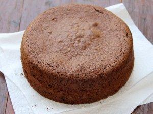 Šokoladinis sviestinis biskvitas tortui