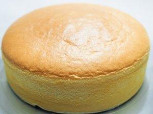 Šviesus sviestinis biskvitas tortui