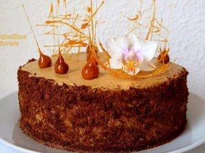 Biskvitinis karamelinis tortas