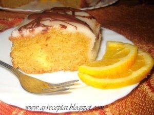 Greitas drėgnas pyragas Apelsininis žiedas